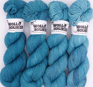 Wolloholiker Wollpaket Parlsnoor *Königsfischer*. Wolle kaufen Bremerhaven, handgefärbte Wolle