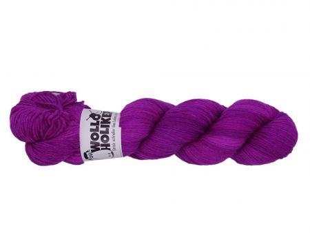 Seidenraupe *Trändendes Herz*. Wolle kaufen Bremerhaven, handgefärbte Wolle