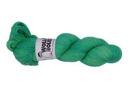 Seidenlace *Grüner Apfel*. Wolle kaufen Bremerhaven, handgefärbte Wolle