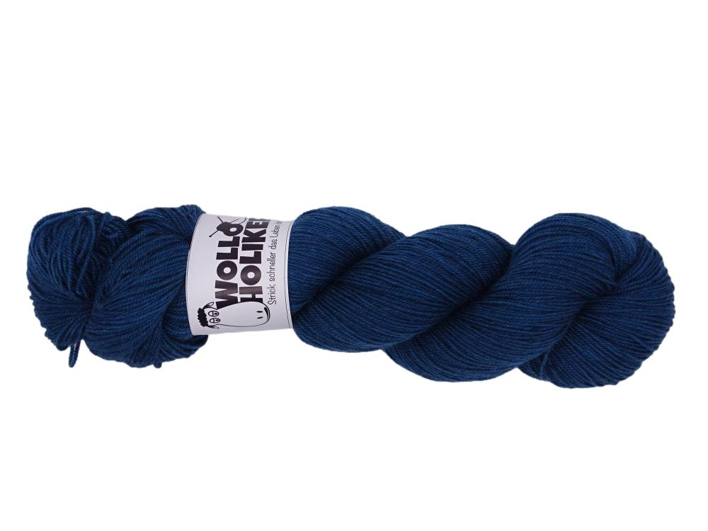 Merino High-Twist *Blaue Stunde*. Wolle kaufen Bremerhaven, handgefärbte Wolle