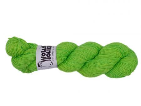 Merino High-Twist *Grün wie Kloßbrühe*. Wolle kaufen Bremerhaven, handgefärbte Wolle