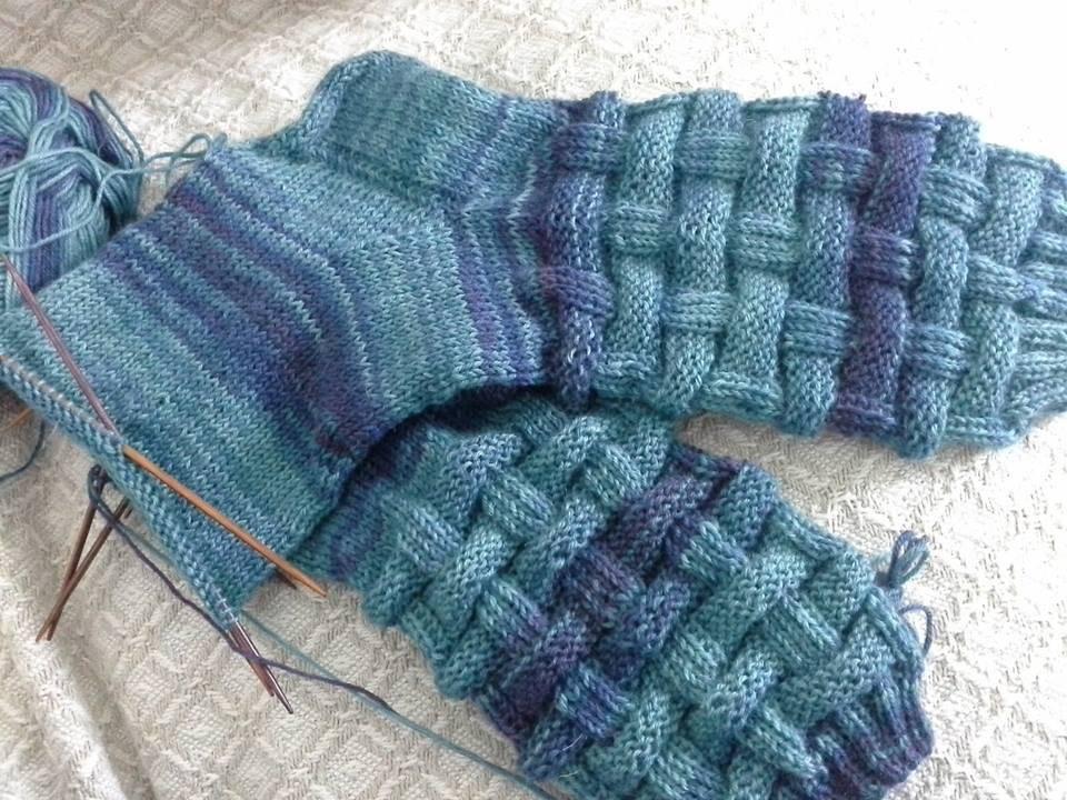 Socken stricken für den Mann   Wolloholiker - der Blog handgefärbte ...