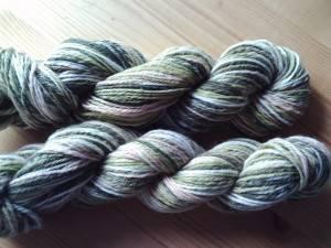 Navajo gezwirnte Wolle