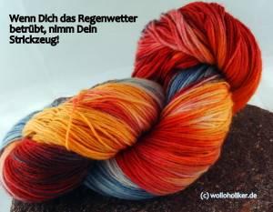 Handgefärbte Sockenwolle auch bei Stricksplitter (c) wolloholiker.de
